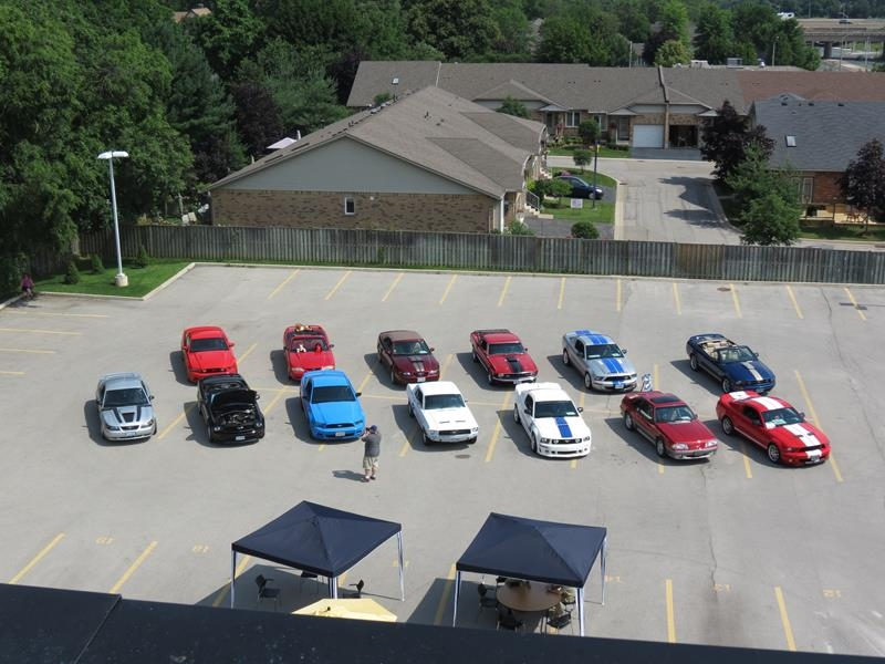 lprh-roof-shot-of-club-cars_800x600